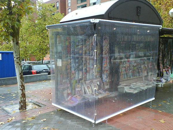 Instalacion de toldos verticales cortavientos en fuenlabrada for Toldos verticales transparentes precios